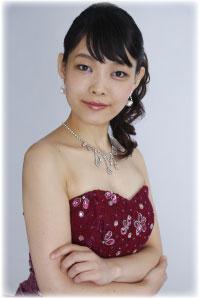 上薗和佳 (Yasuka Kamizono)